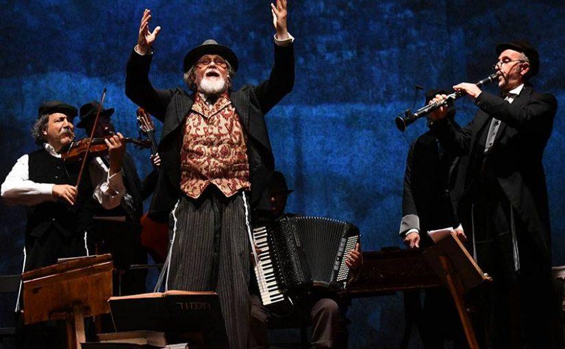 Moni Ovadia al Piccolo Teatro  con Dio ride. Nish Koshe