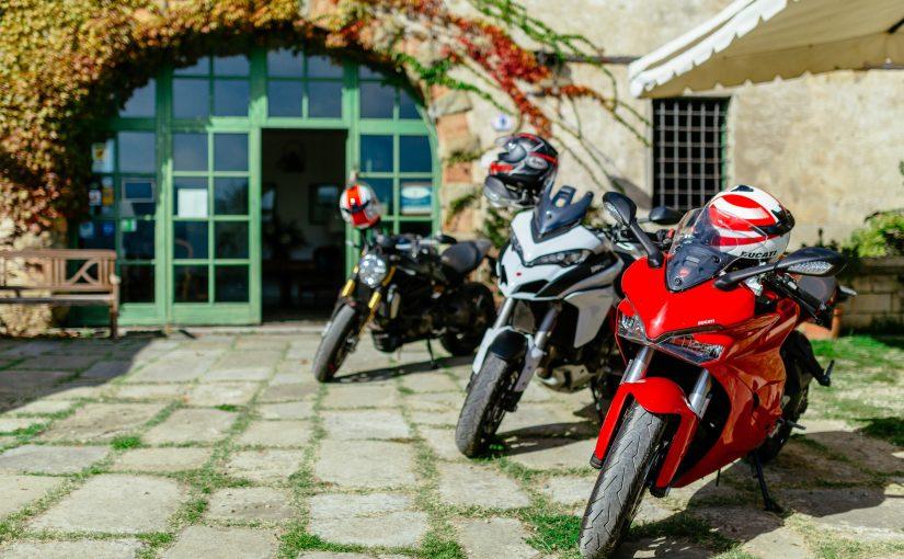 Per la festa del papà regala un emozionante weekend in sella a una Ducati e parti con Boscolo Tours