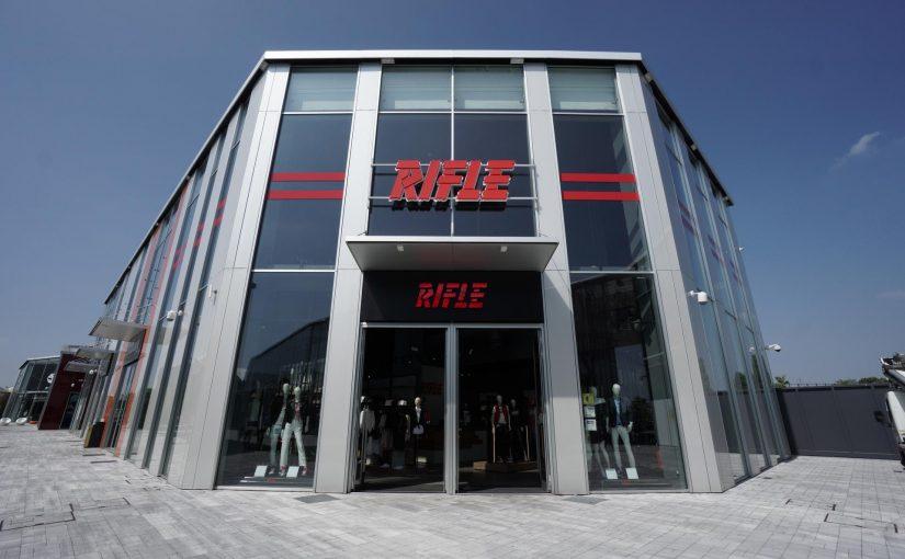 Rifle presenta il terzo Store e il nuovo Brand Ambassador