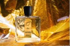 Omnia Profumi brand di nicchia presenta ORO, una fragranza sofisticata e sensuale